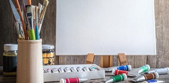 Посещение мастер-класса порисованию вшколе-студии «Вернисаж»