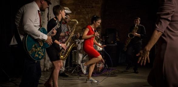 Билет наконцерт Jazz Like спрогулкой натеплоходе отRiver-show Moscow
