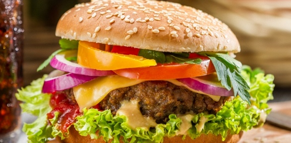 Бургеры отресторана быстрого питания «Перекуси» заполцены
