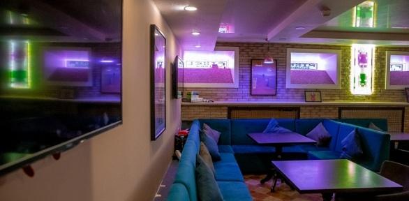 До4часов отдыха спаровым коктейлем иугощением вантикафе Pixel Lounge