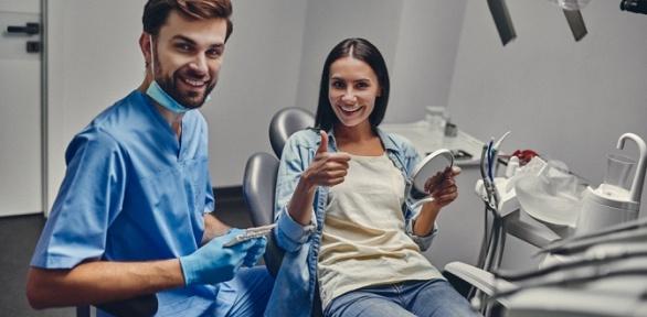 Чистка зубов AirFlow встоматологической клинике «ЭлитДентал М»
