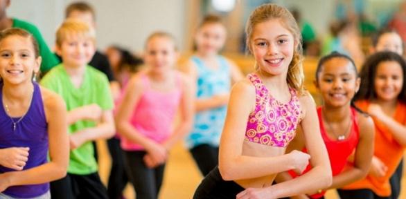 Занятия танцами втанцевальной студии Paradise