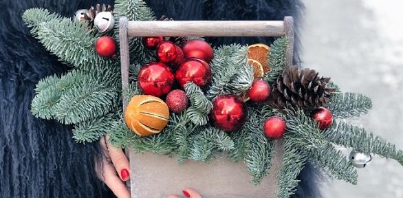 Новогодние букеты вкоробках ирождественские венки навыбор