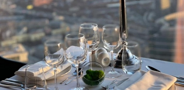 Романтический ужин навысоте 333м отevent-площадки 90th Floor