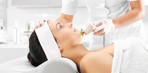Чистка лица, плазмотерапия или пилинг вмедицинском центре «ВанКлиник»