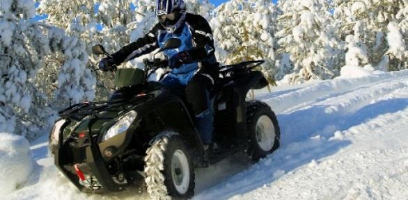 Катание наквадроцикле для 2или 4человек откомпании «СмотриПитер»