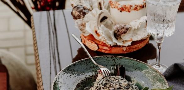 Средиземноморский сет наверанде ресторана Porto Carras