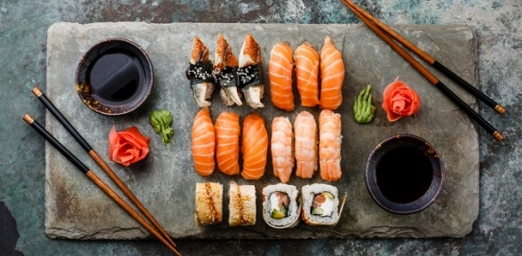 Роллы или сет отсуши-бара Sushi Bar Chef