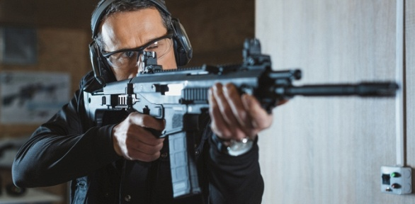 Стрельба излука, винтовки, автомата, пистолета-пулемета втире «Сила»