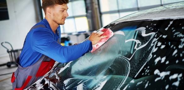 Комплексная мойка или химчистка автомобиля отавтомойки Fresh Auto