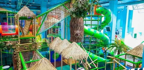 Посещение скалодрома или детского лабиринта впарке «Веселые джунгли»