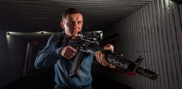 Стрельба изпневматического автомата ипистолета всети тиров «Оруженосец»