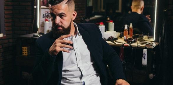 Мужская стрижка, моделирование бороды вбарбершопе «Синдикат»