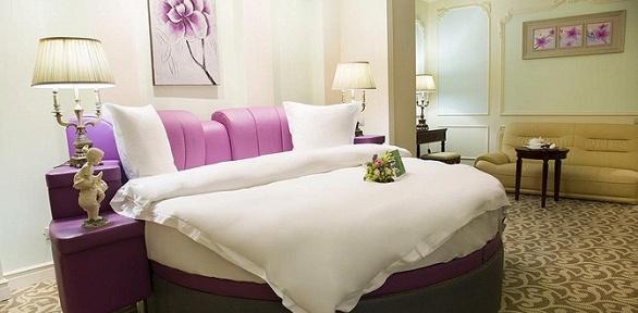 Отдых для одного или двоих сзавтраками вThe Rooms Boutique Hotel5*