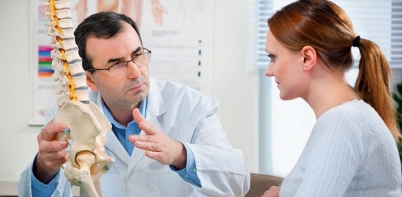Сеансы кинезиомассажа или вытяжения позвоночника вклинике «АртМедикал»