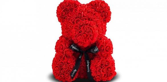Медведь, заяц или собака изфоамирановых роз вподарочной упаковке слентой