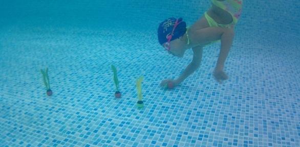 Занятия плаванием вкомплексе «Осьминожка»