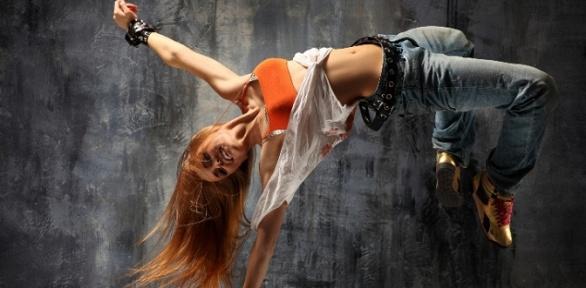 Занятия поразличным танцевальным направлениям встудии танцаD