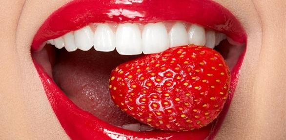 Комплексная чистка зубов AirFlow встоматологической клинике «Ясень»