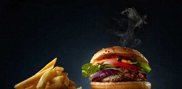 Комбонабор сбургером, воком, наггетсами икартофелем отPizza Master
