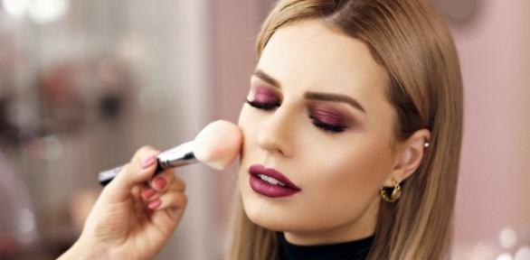 Посещение курса повизажу навыбор вшколе-студии макияжа истиля «8марта»