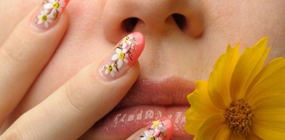 Маникюр ипедикюр спокрытием ногтей гель-лаком встудии маникюра «Сплетни»