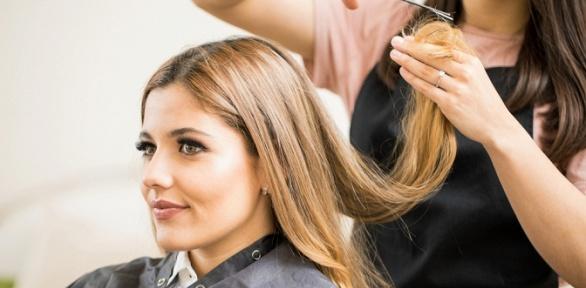 Стрижка иокрашивание волос всалоне «Дели»