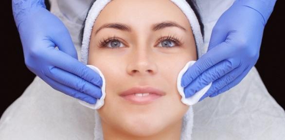 Процедуры чистки ипилинга лица отсалона красоты «Бигуди»