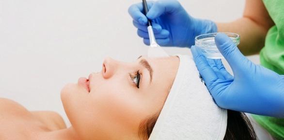 Процедуры поуходу закожей лица навыбор вмедицинском центре «Экстра»