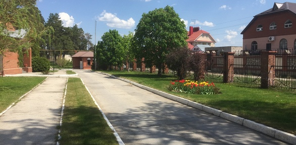 Отдых вномере или коттедже вгостиничном комплексе «Славянская деревня»