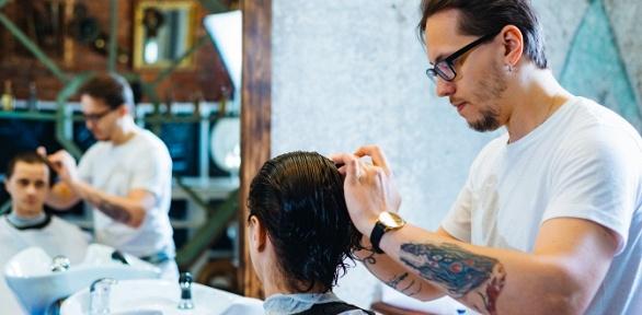 Мужская стрижка, оформление бороды вбарбершопе Grizzly