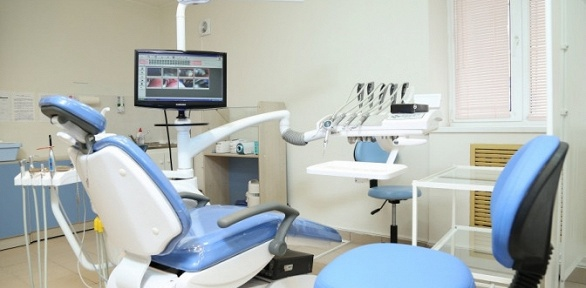 Протезирование зуба коронкой вцентре «Медеси»