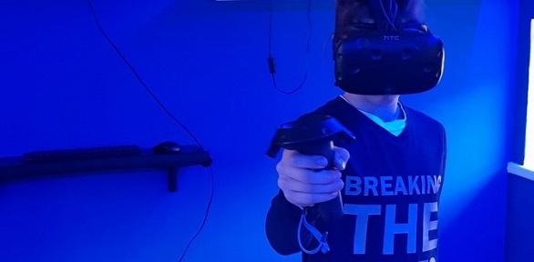 1или 2часа посещения клуба виртуальной реальности VRWorld влюбой день