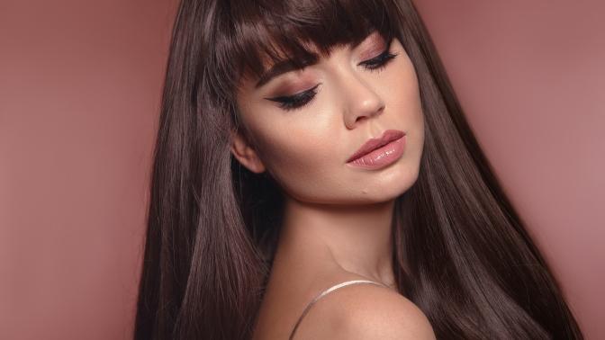 Скидка до 69%. Стрижка, укладка, окрашивание, гиалуроновое омоложение или биоструктурирование волос всалоне красоты Leal Club