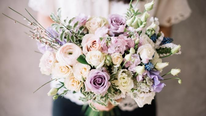 Скидка до 70%. Цветочная композиция «Нежность», «Розовый букет цветов», «Страсть», «Розовые розы» или букет изроз «Сердце»