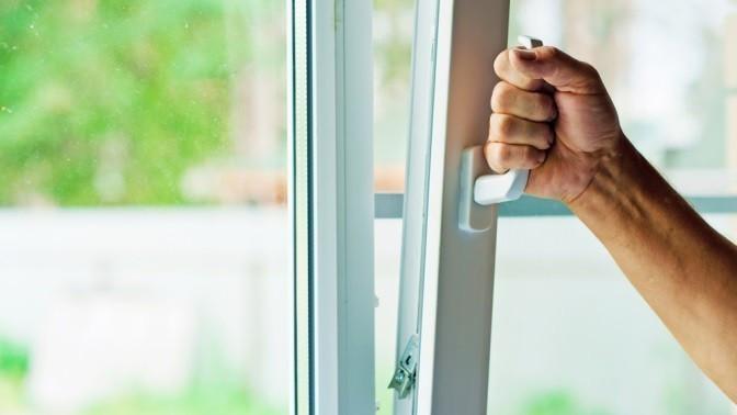 Скидка до 30%. Остекление лоджии или балкона, установка пластикового окна вкирпичном либо панельном доме